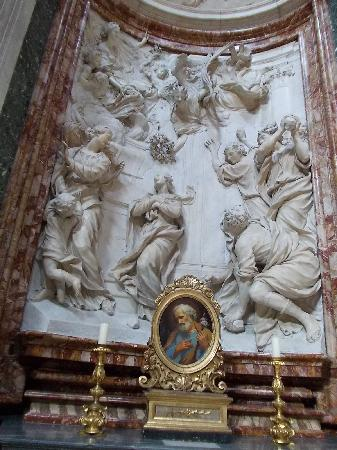 Iglesia de San Luis de los Franceses: stucchi e sculture