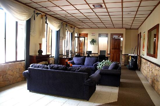 Adventure Inn: One of the lounge areas