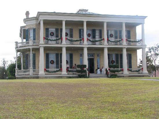 Brenham, TX: Giddings Stone Mansion at Christmas