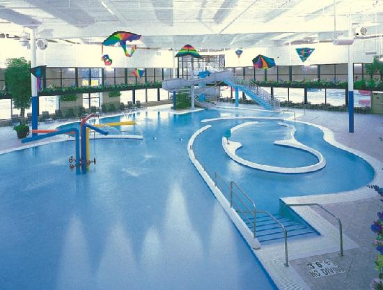 Sterling Heights, MI: Indoor Water Park