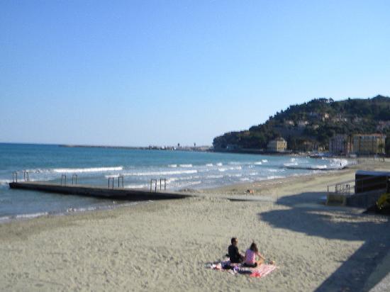 Piccolo Hotel: Diano Marina beach
