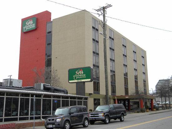 GuestHouse Inn & Suites Nashville/Vanderbilt: Exterior
