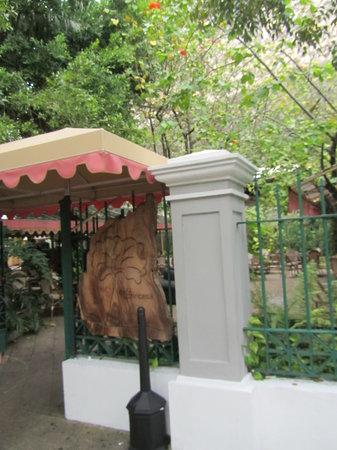 Cafe La Princesa: Outside