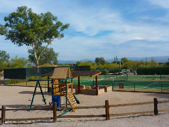 Rancho de los Caballeros: playground and lots of nice hard tennis courts