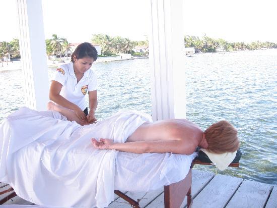 Seashells Spa: enjoying a carribean  massage