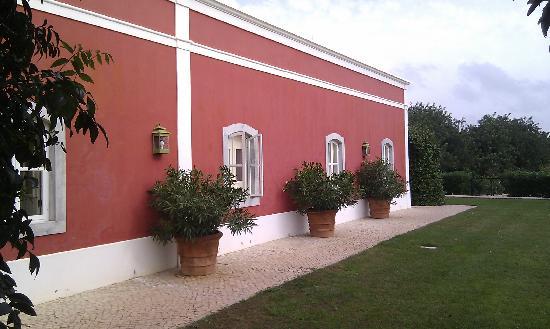 Quinta da Cebola Vermelha: Outside