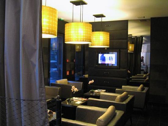 Hotel L'Adresse Paris : Recepción