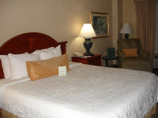 Hilton Garden Inn Portland/Lake Oswego: King Size Bed