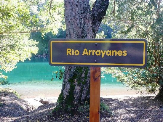 Rio Arrayanes Campamento Agreste: Incredible turquoise waters