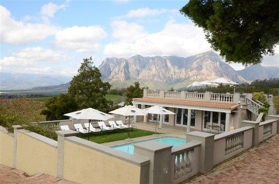 Clouds Wine & Guest Estate: Accommodation and function rooms at Clouds