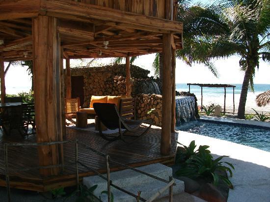 Hotel Tortuga Village: Cascade