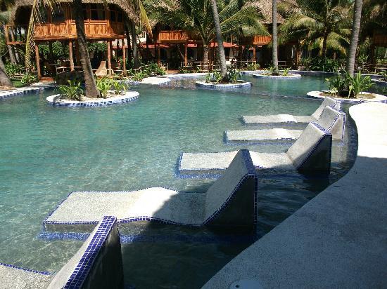 Hotel Tortuga Village: Pool