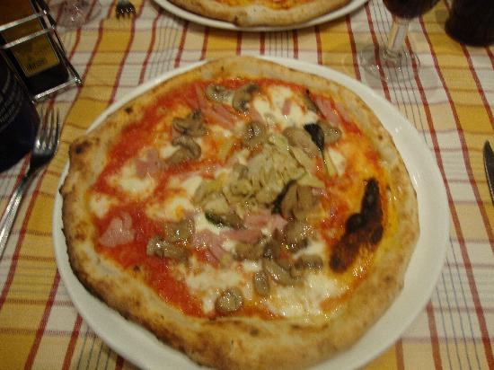 Pizza Ciro: Pizza Capricciosa, Alcachofra, porccini e pressuto