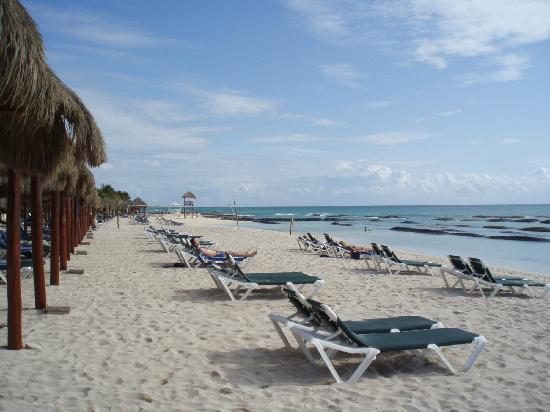 El Dorado Royale By Karisma Beach Area With The Sand Bags