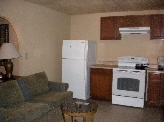 Cedar Sands Motel : Full kitchen