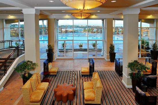 Grand Pacific Palisades Resort and Hotel: Resort Lobby