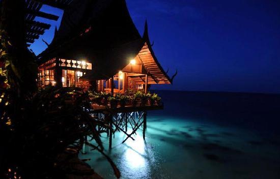 Smart Divers Resort: Water Bungalow
