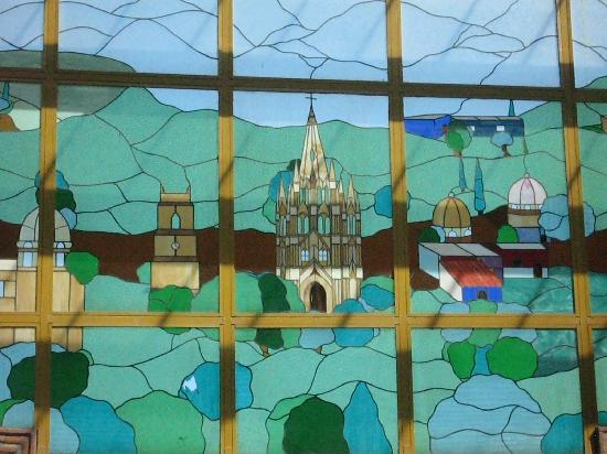 Arcada San Miguel : Stained glass window depicts the Parroquia church of San Miguel
