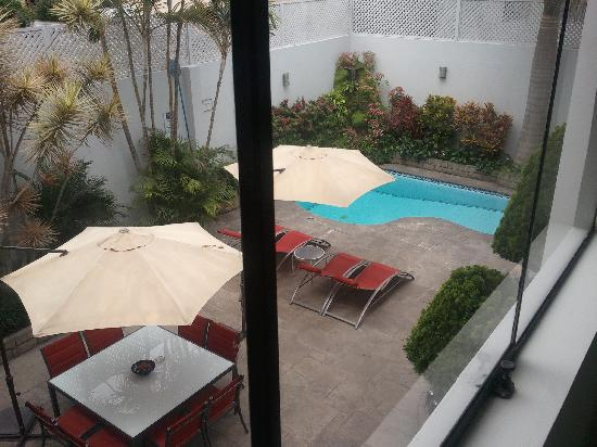 El Golf Hotel Boutique : View of the interior courtyard.
