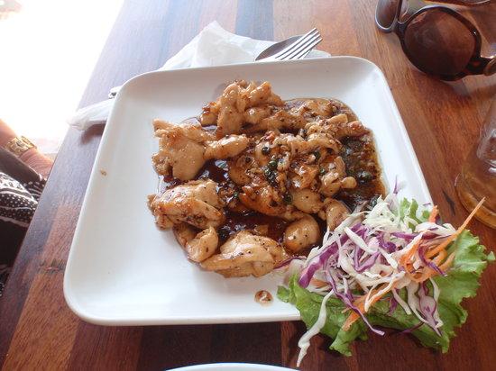 Krua Nidnoy: Garlic pepper chicken