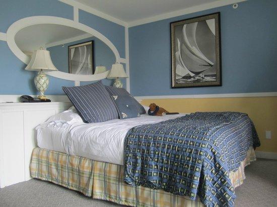 The Portofino Hotel & Marina, A Noble House Hotel: Bedroom