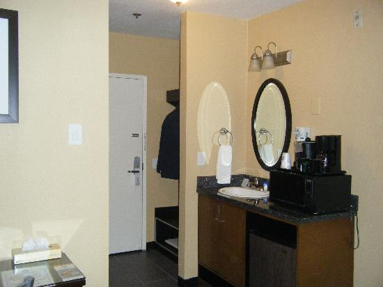 Quality Inn San Diego Downtown North: Room 522 Entrance