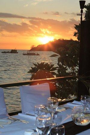 Mana Island Resort: View from South Beach a la carte restaurant