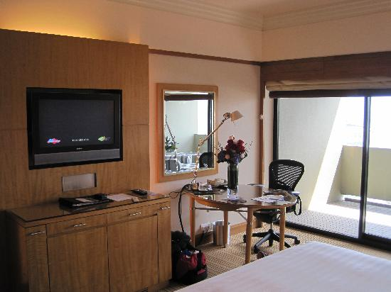 Pan Pacific Singapore: Another view of our room