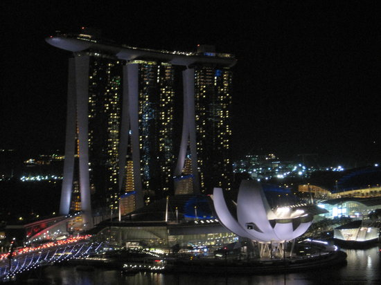 Pan Pacific Singapore: View from our hotel room at night