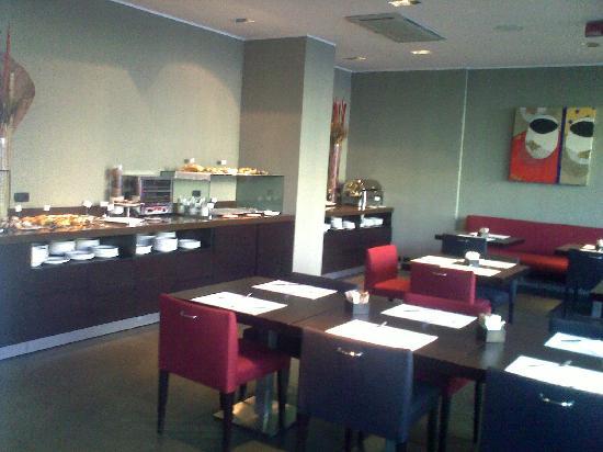 NH Savona Darsena: breakfast room