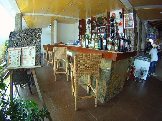Tio Rod's Restaurant Bar & Lounge: Bar at Tio Rod's