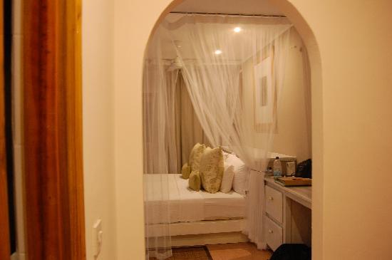 Indian Ocean Lodge: chambre 14 vue de l'entrée