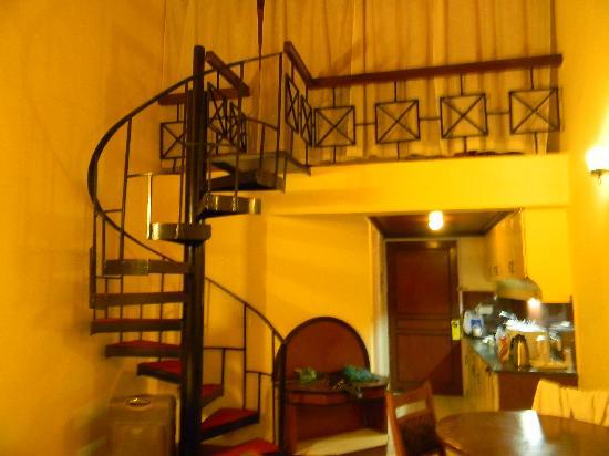 Manali - White Mist, A Sterling Holidays Resort: inside the duplex room