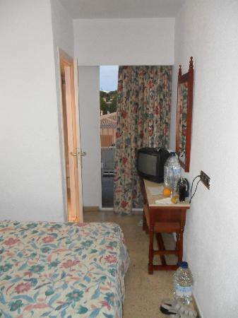 smartline Lancaster : tiny room