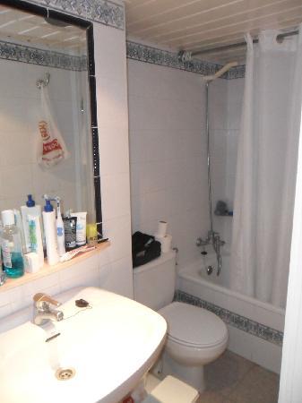smartline Lancaster : nice size bathroom