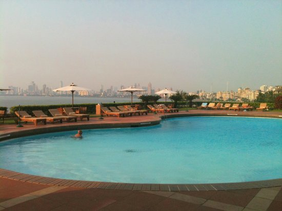 Trident, Nariman Point: Pool city view