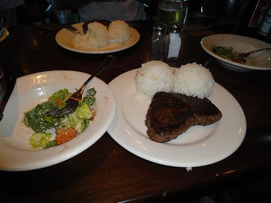 Outback Steakhouse: ステーキの写真