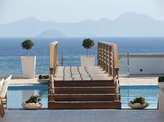 Mitsis Blue Domes Resort & Spa: 1 des nombreuses piscines