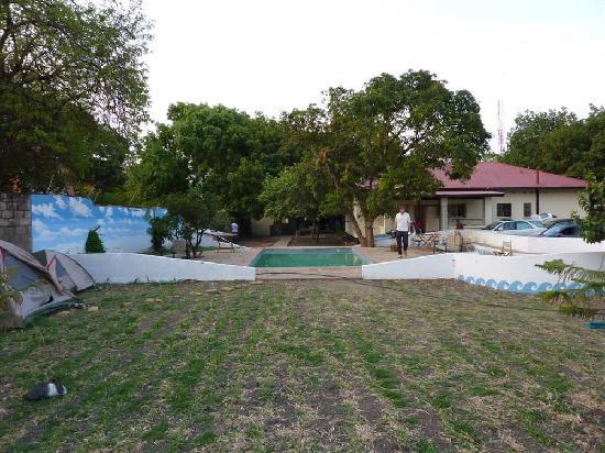 Kalulu Backpackers Hostel : camping en zambad