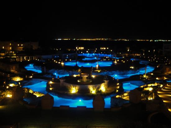 Kempinski Hotel Soma Bay: NIGHT VIEW