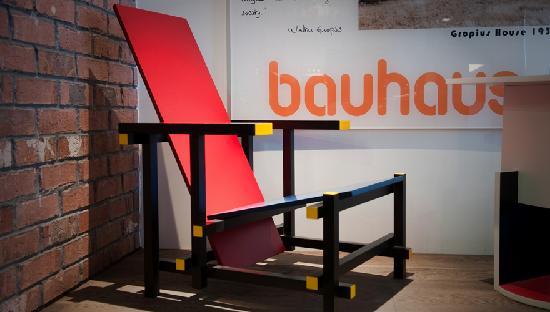 Bauhaus Hotel: bauhaus chair