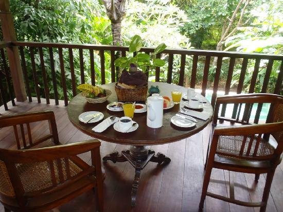 Plataran Canggu Resort & Spa : petit dej sur notre terrasse