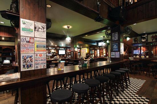 Rooms: 10 Restaurants Near Crowne Plaza Bangkok Lumpini Park