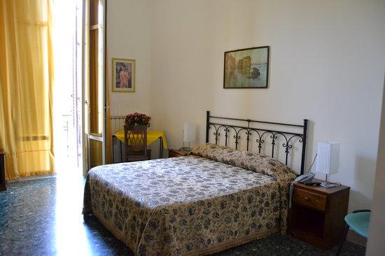 Nobile Casa Roma: foto camera matrimoniale o tripla