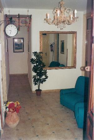 Nobile Casa Roma: foto ingresso