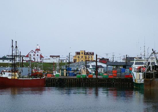 The Harbour Quarters Inn: Bonavista harbour