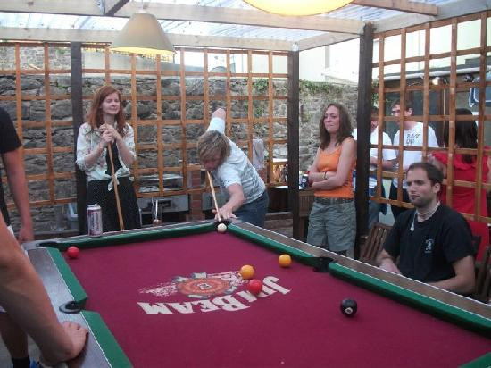 Torquay Backpackers Hostel: Free Pool Table