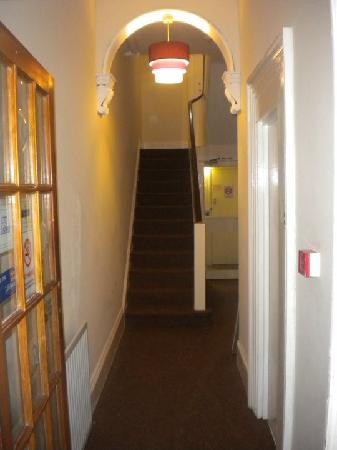 Torquay Backpackers Hostel: Entrance Hall