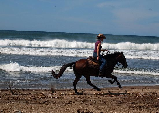 Rancho Chilamate Adventures on Horseback: Cantering on the Beach