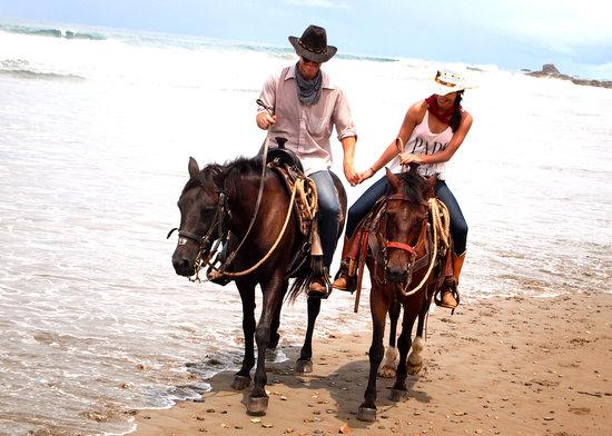 Rancho Chilamate Adventures on Horseback: Horseback Riding in San Juan del Sur